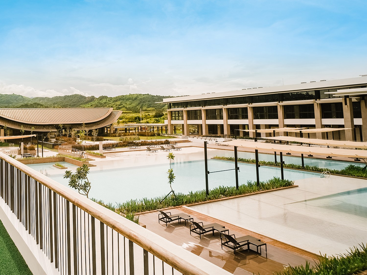 This country club in Pampanga will give you that well-deserved (and safe) getaway