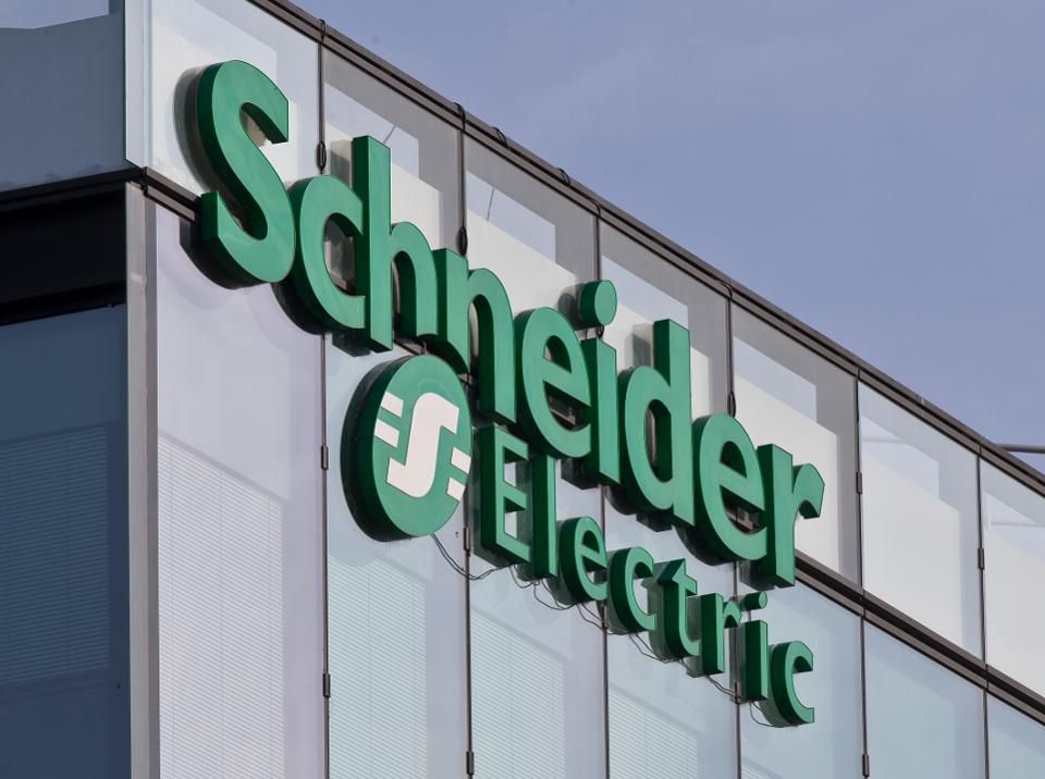 Schneider Electric equips hospitals to safely and effectively serve patients