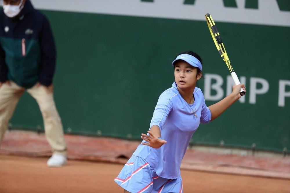 Globe rallied behind Filipina tennis prodigy Alex Eala in 2020 French Open Juniors bid