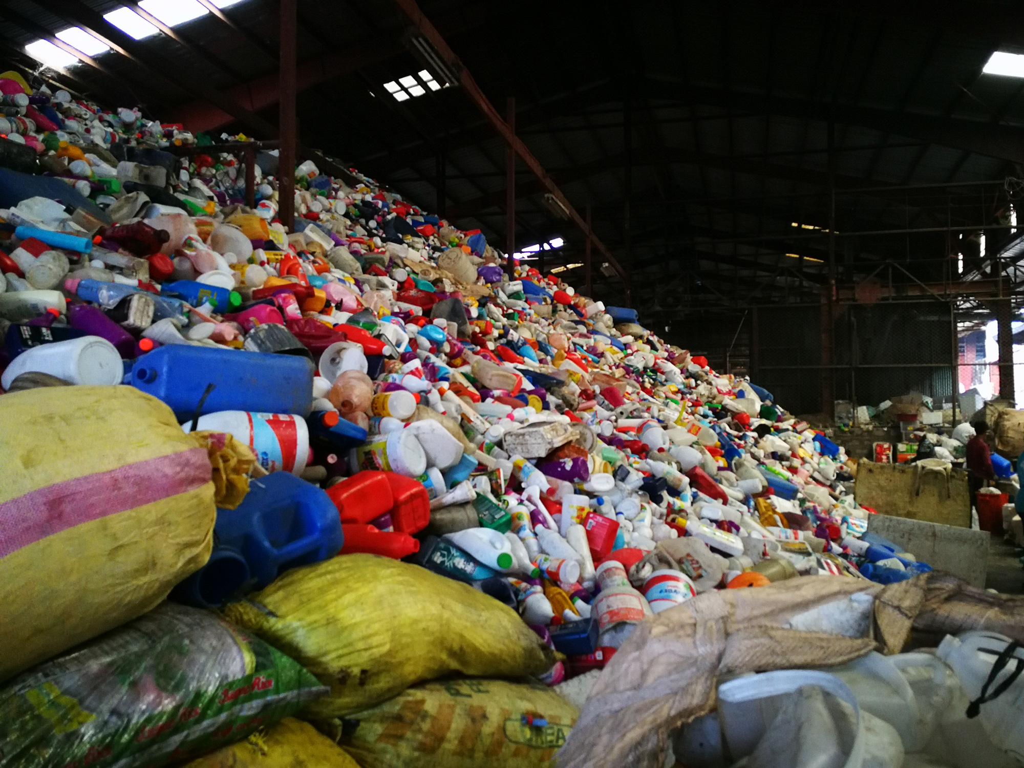 WWF continues to fight and crusade against plastic pollution; Advocates for an Extended Producer Responsibility scheme in the Philippines