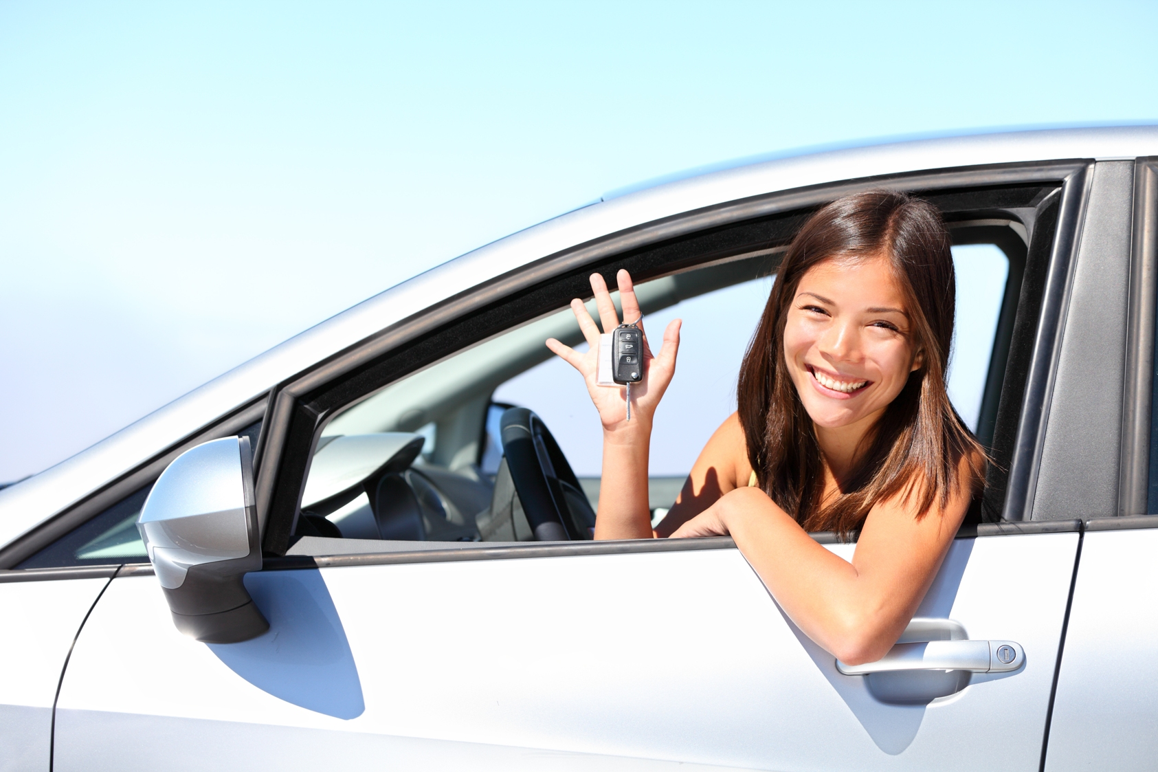 Here are 5 defensive driving tips for you to survive Metro Manila roads