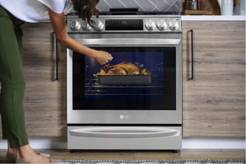 LG takes home cooking to the next level with Air Sous Vide oven