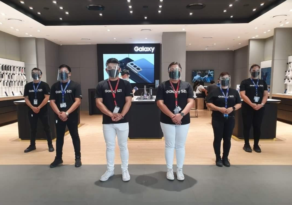 Safe shopping experience at Samsung Experience Stores