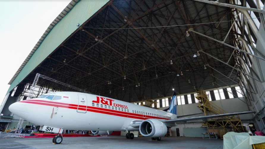 J&T Express Group opens a a new era of high-end aviation express in Indonesia