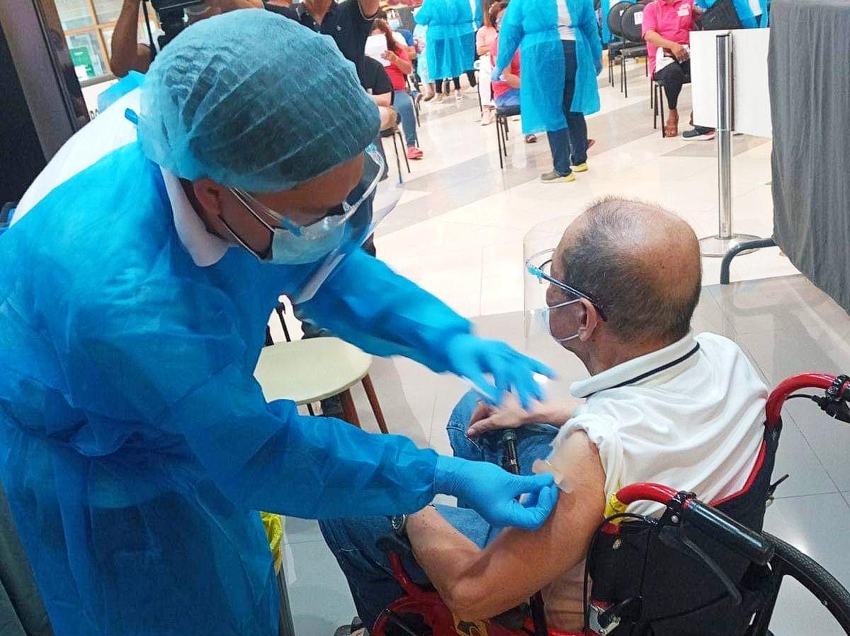 Pulilan LGU kicks off COVID-19 vaccination drive in partnership with SM Center Pulilan
