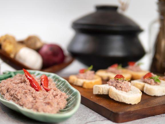 Sinantolan: Bicol cuisine's sour-salty secret