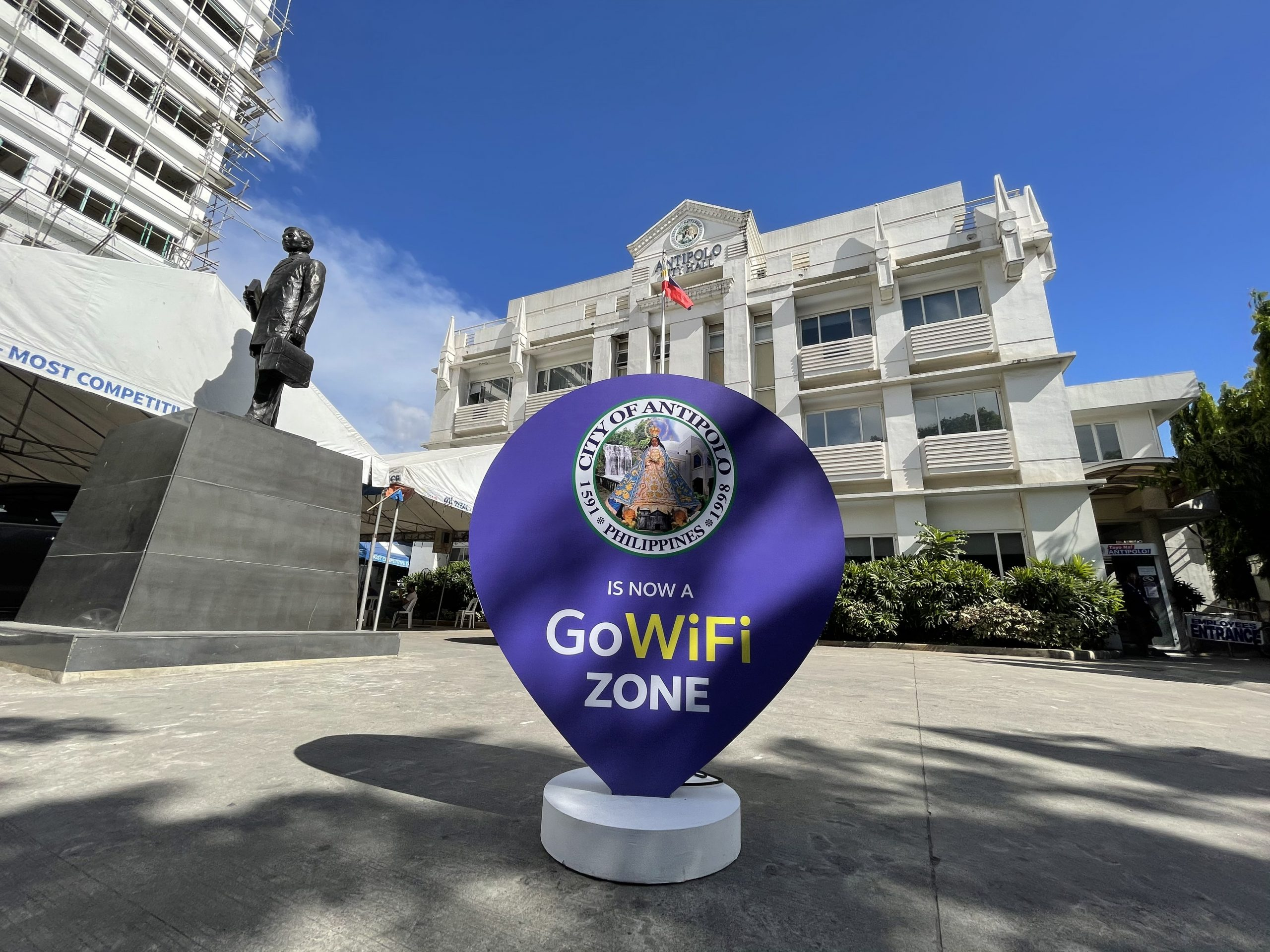 Globe aids Antipolo's pandemic response through Free GoWiFi and AMBER