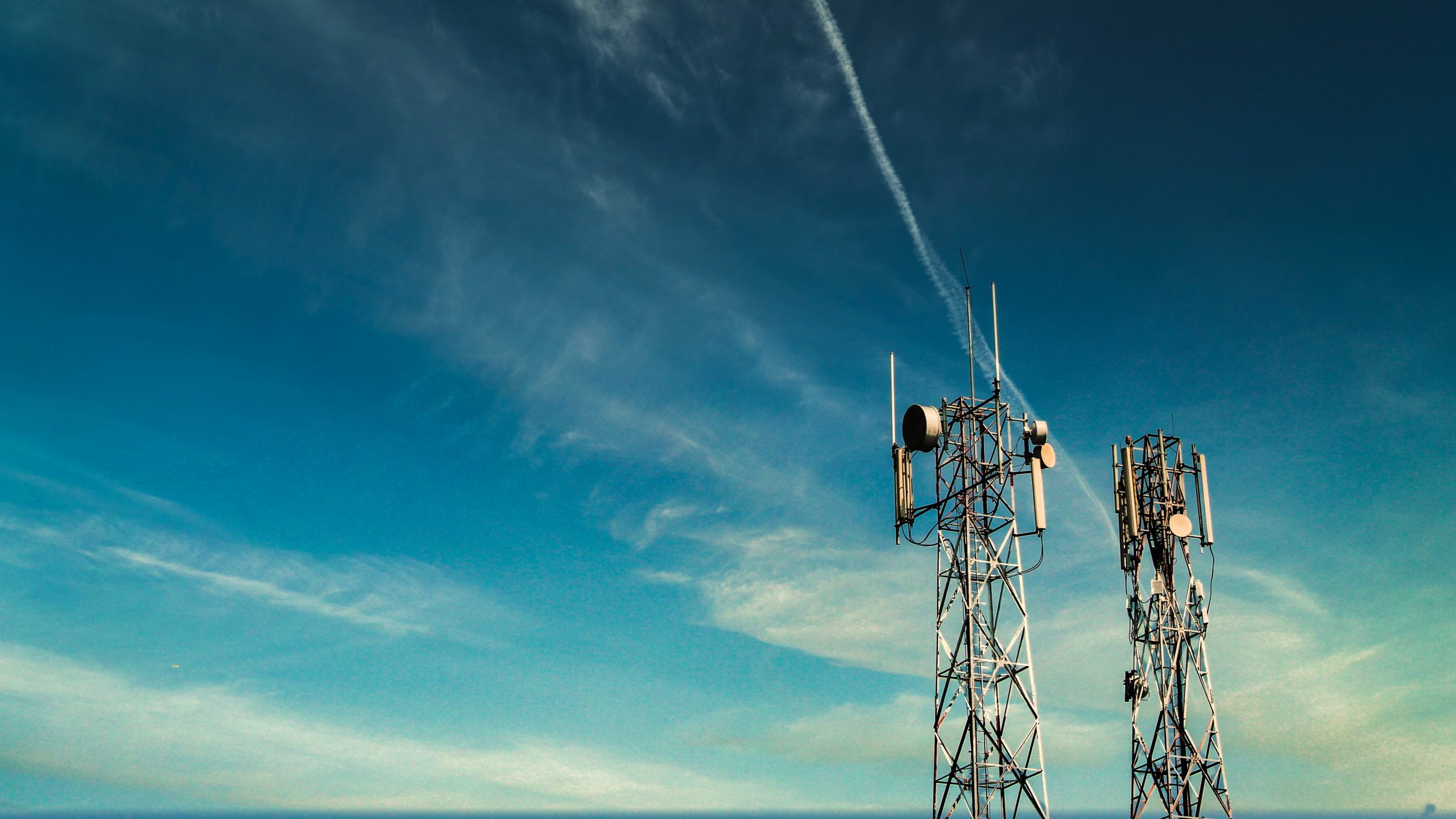 Globe partners with PhilTower for aggressive network builds in NCR, Luzon